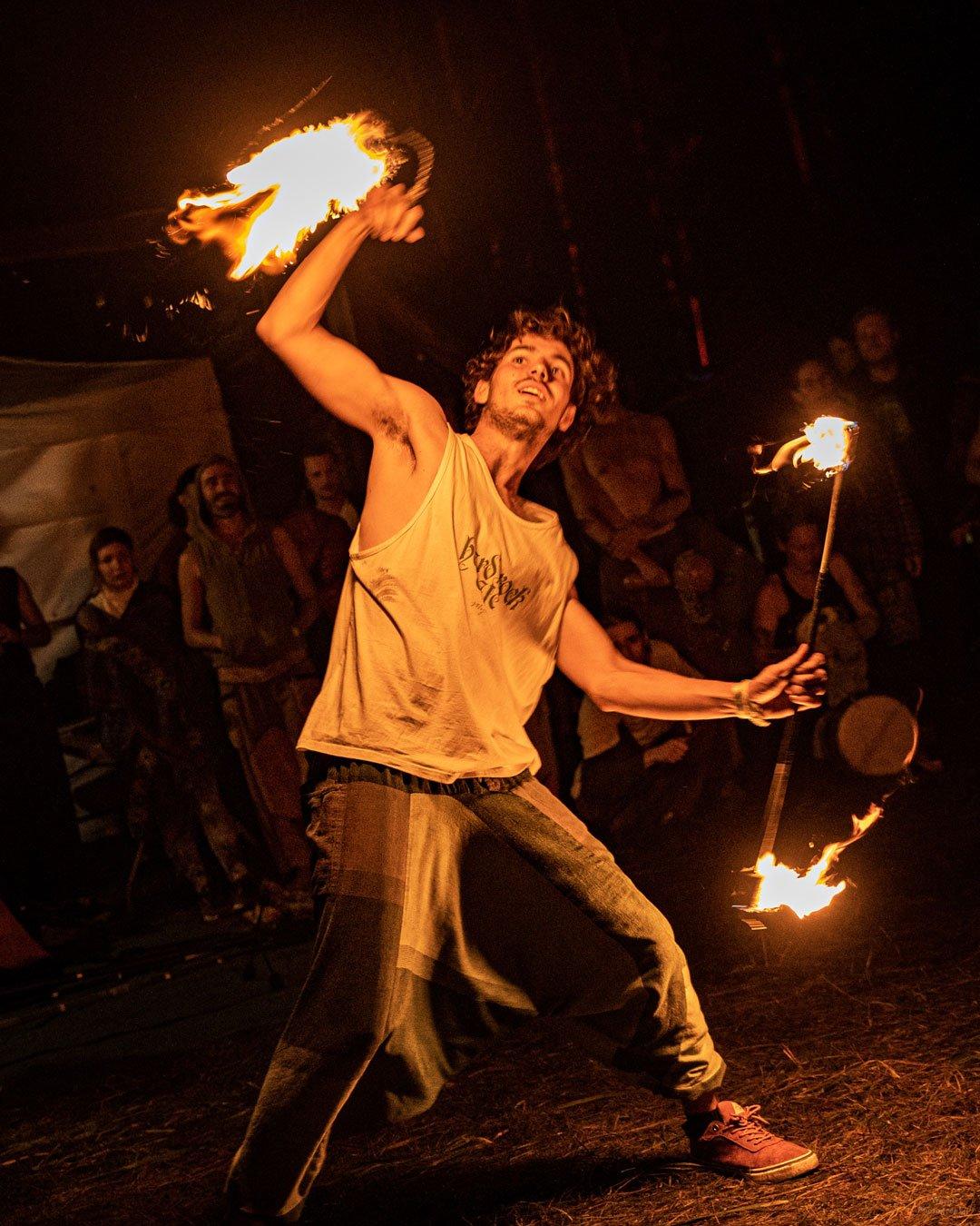 Taniec z ogniem - Festiwal Wibracje
